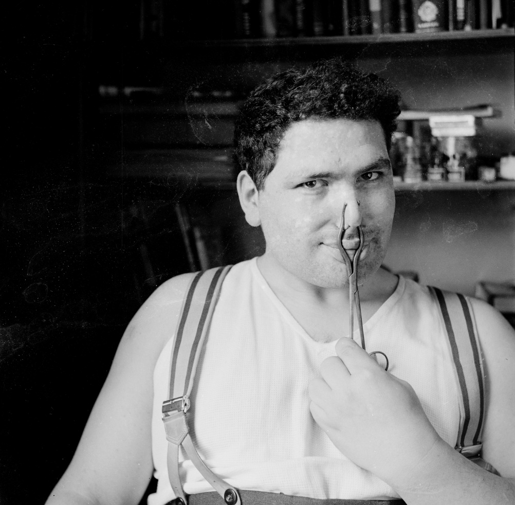 Photograph of Eduardo Paolozzi c 1950s