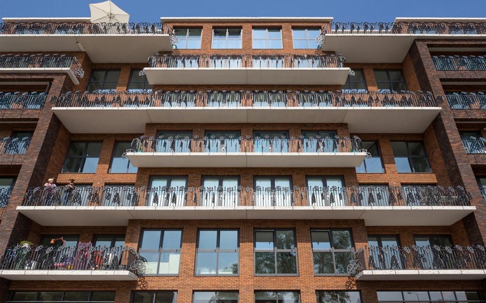 1km of balconies at Haag van Sevenhuijsen, by Ineke Hans
