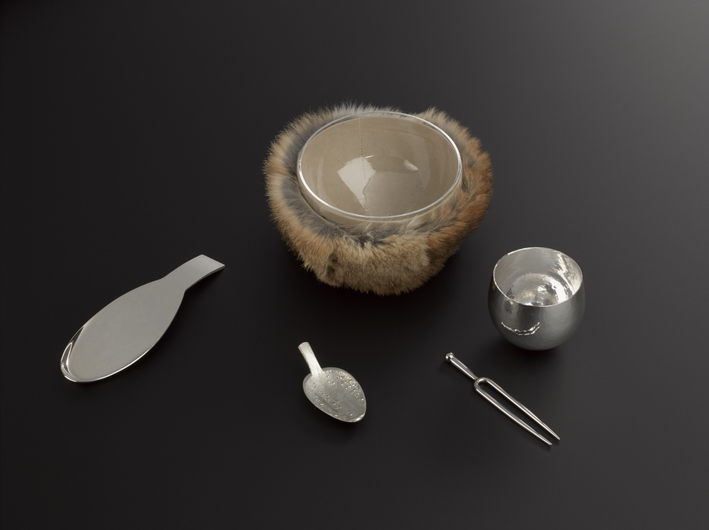 A selection of experimental utensils