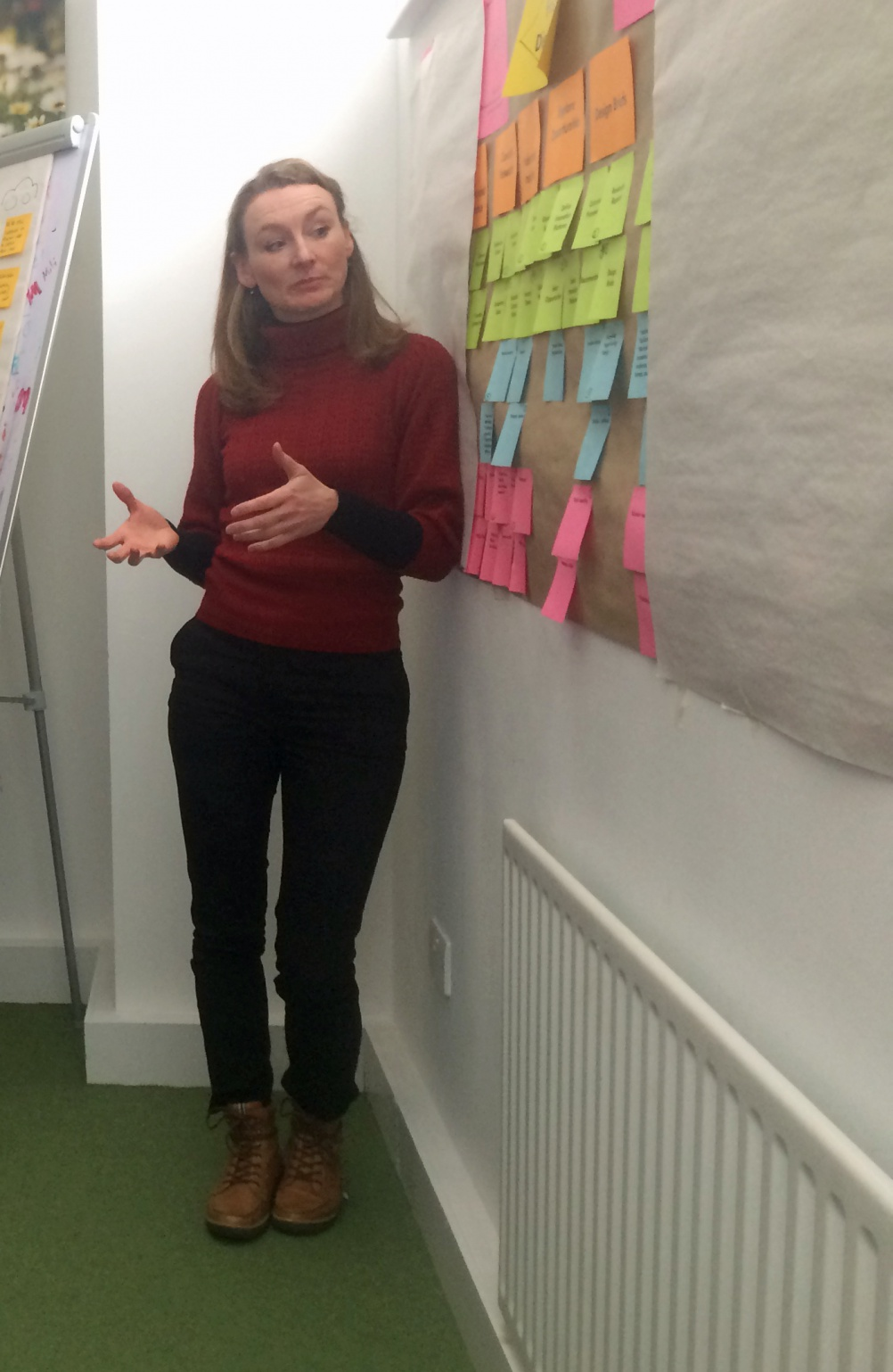 Marianne Guldbrandsen leads an internal workshop