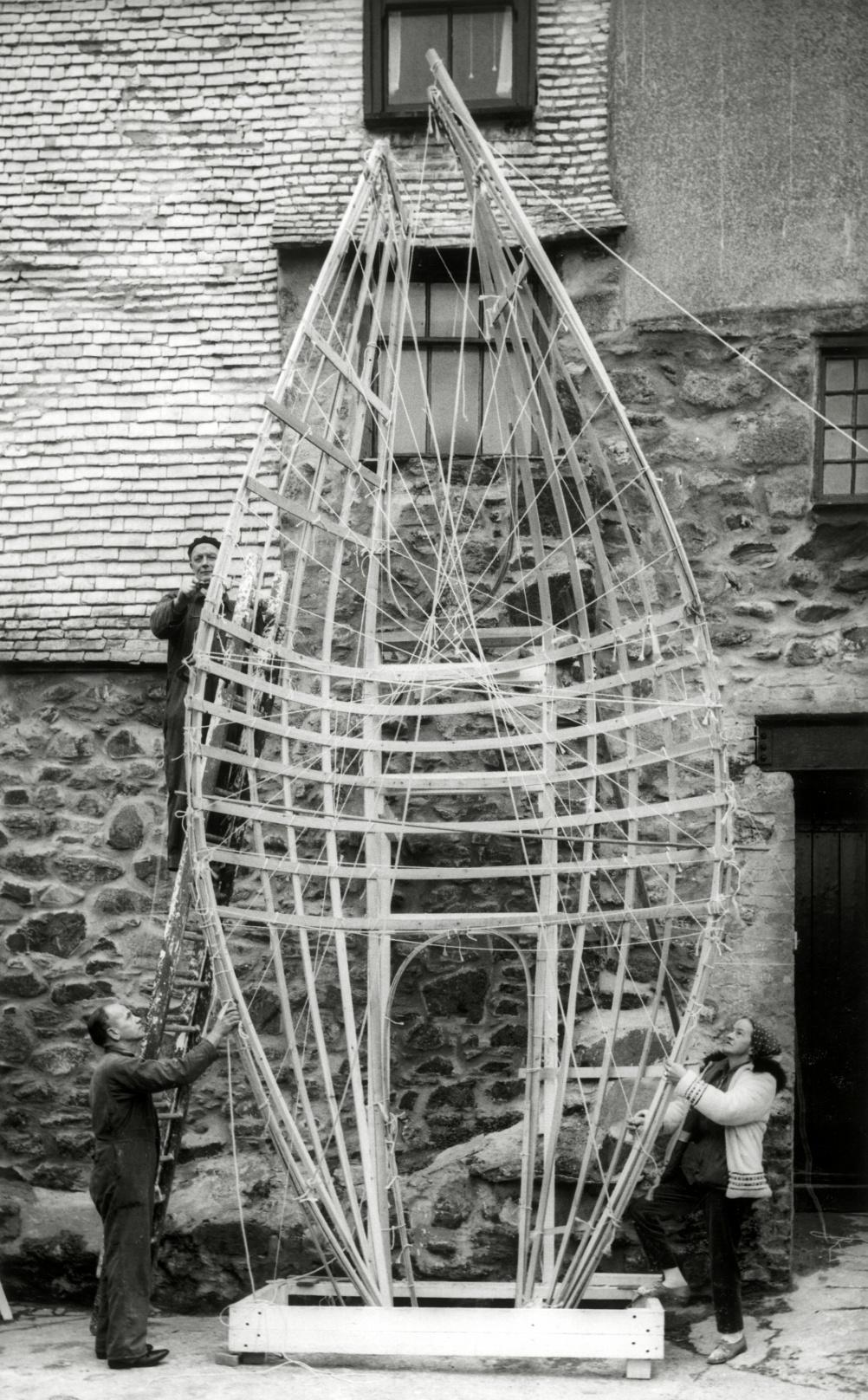 Barbara Hepworth Winged Figure, work in progress, 1962, Courtesy Bowness, Hepworth Estate