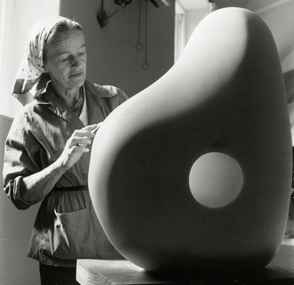 Barbara Hepworth at Trewyn Studio, 1961. Photograph by Rosemary Mathews, Courtesy Bowness, Hepworth Estate