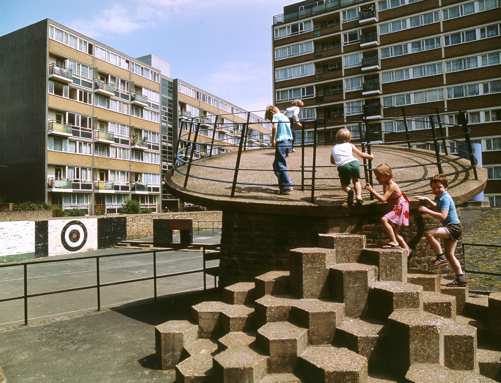 Churchill Gardens Estate. © John Donat - RIBA Library Photographs Collection.