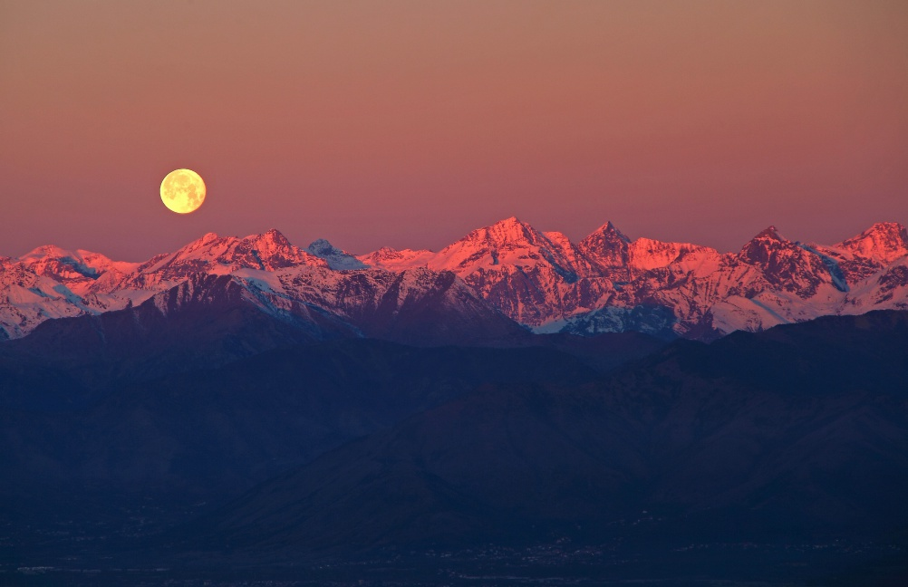 Full Moon over the Alps © Stefano De Rosa