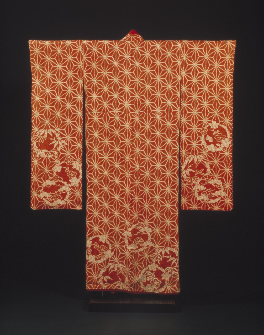 Kimono, 1790-1830 (c) Victoria and Albert Museum, London