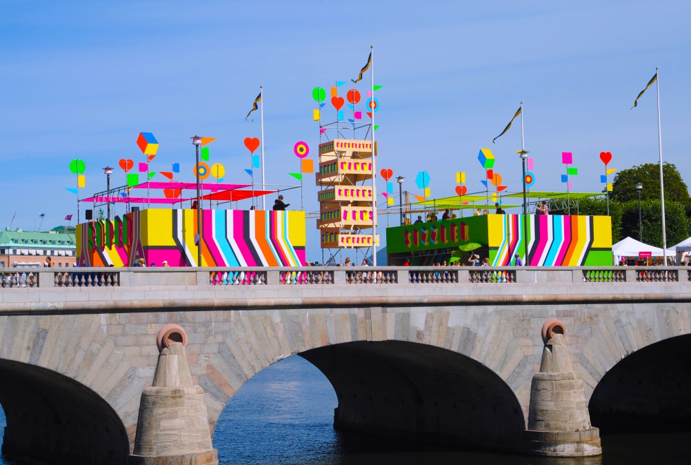 01-SUPERSTRUCTURE, Morag Myerscough & Luke Morgan, photo Luke Morgan