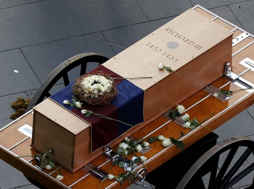 Anna Park - Richard III coffin engraving