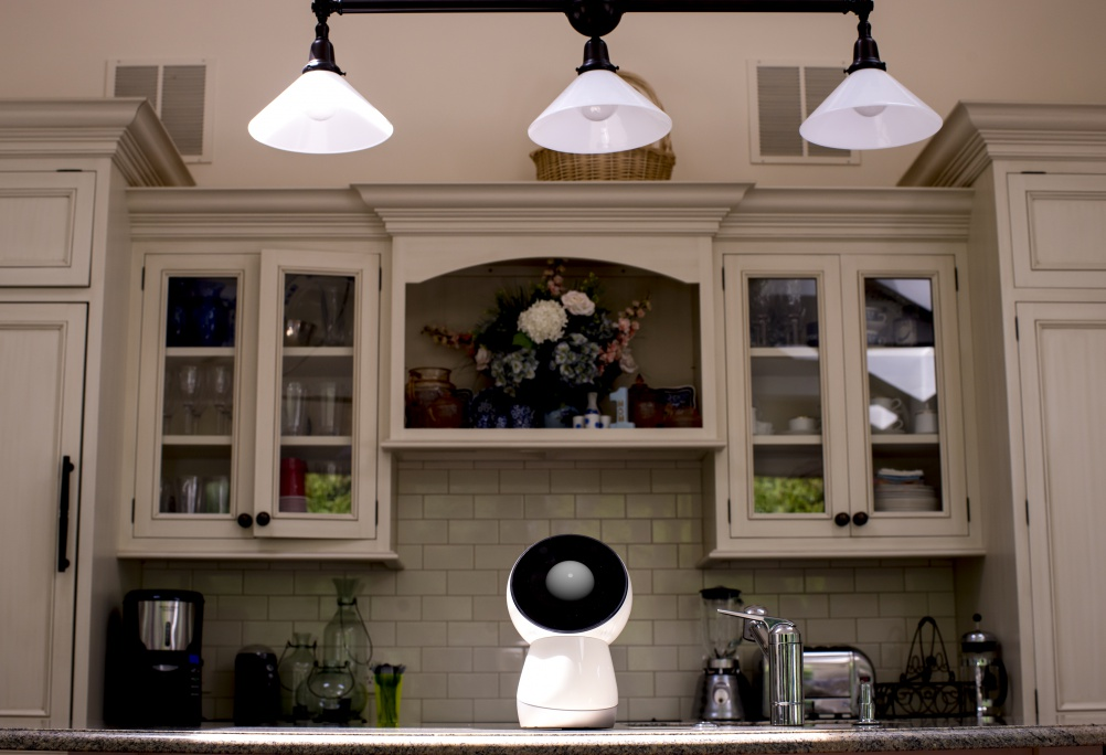 jibo-kitchen-lights-up