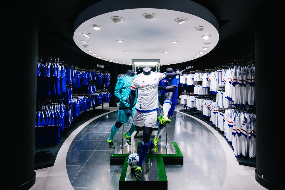 rpagroup_Chelsea_Megastore_London_Football_Fanshop_Retaildesign_stireconcept_branding_KD9B2341