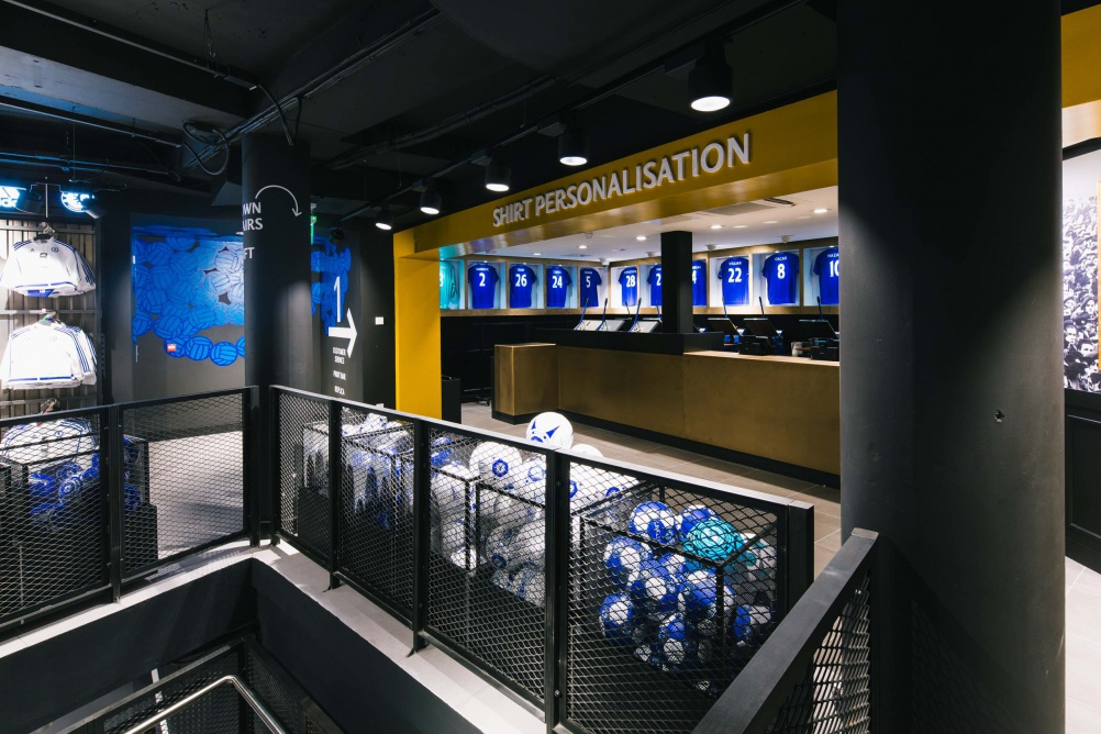 rpagroup_Chelsea_Megastore_London_Football_Fanshop_Retaildesign_stireconcept_branding_KD9B2381