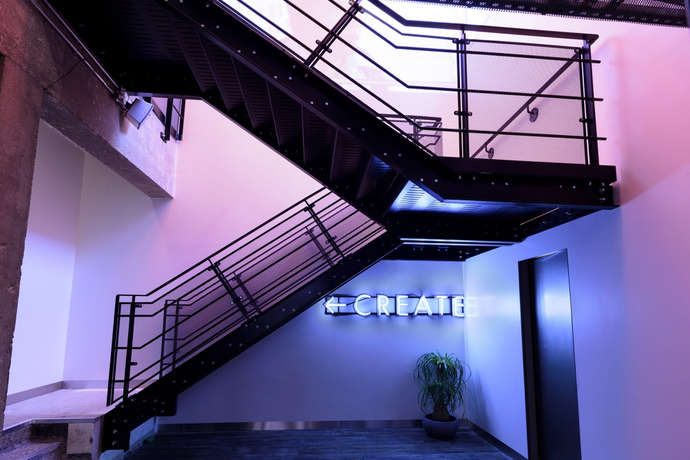 03_Sonos_Studio_EdPark_staircase