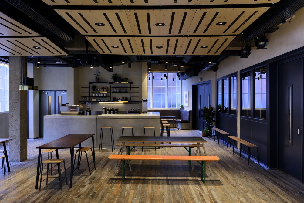 06_Sonos_Studio_EdPark_downstairscafe