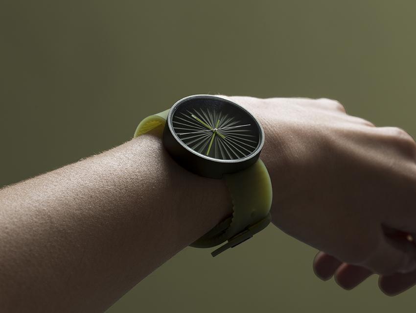Plicate pleated aluminium watch