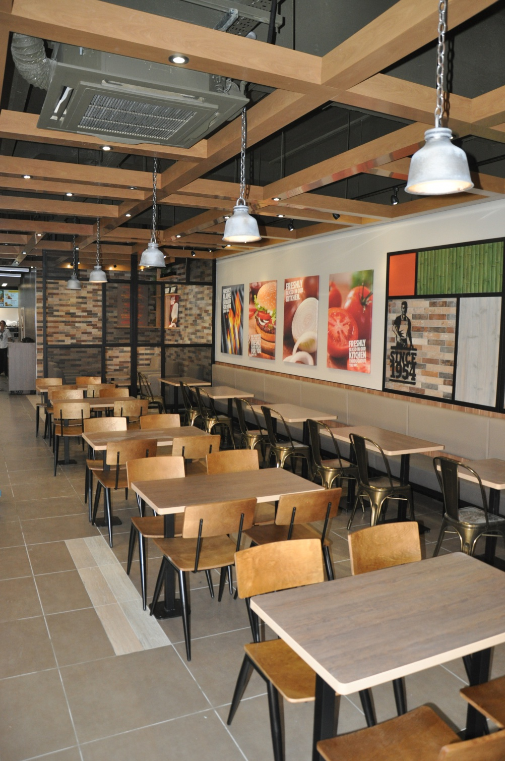Burger king launches new interior designs design week for Interior design house grill