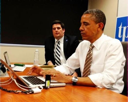 obama tweeting