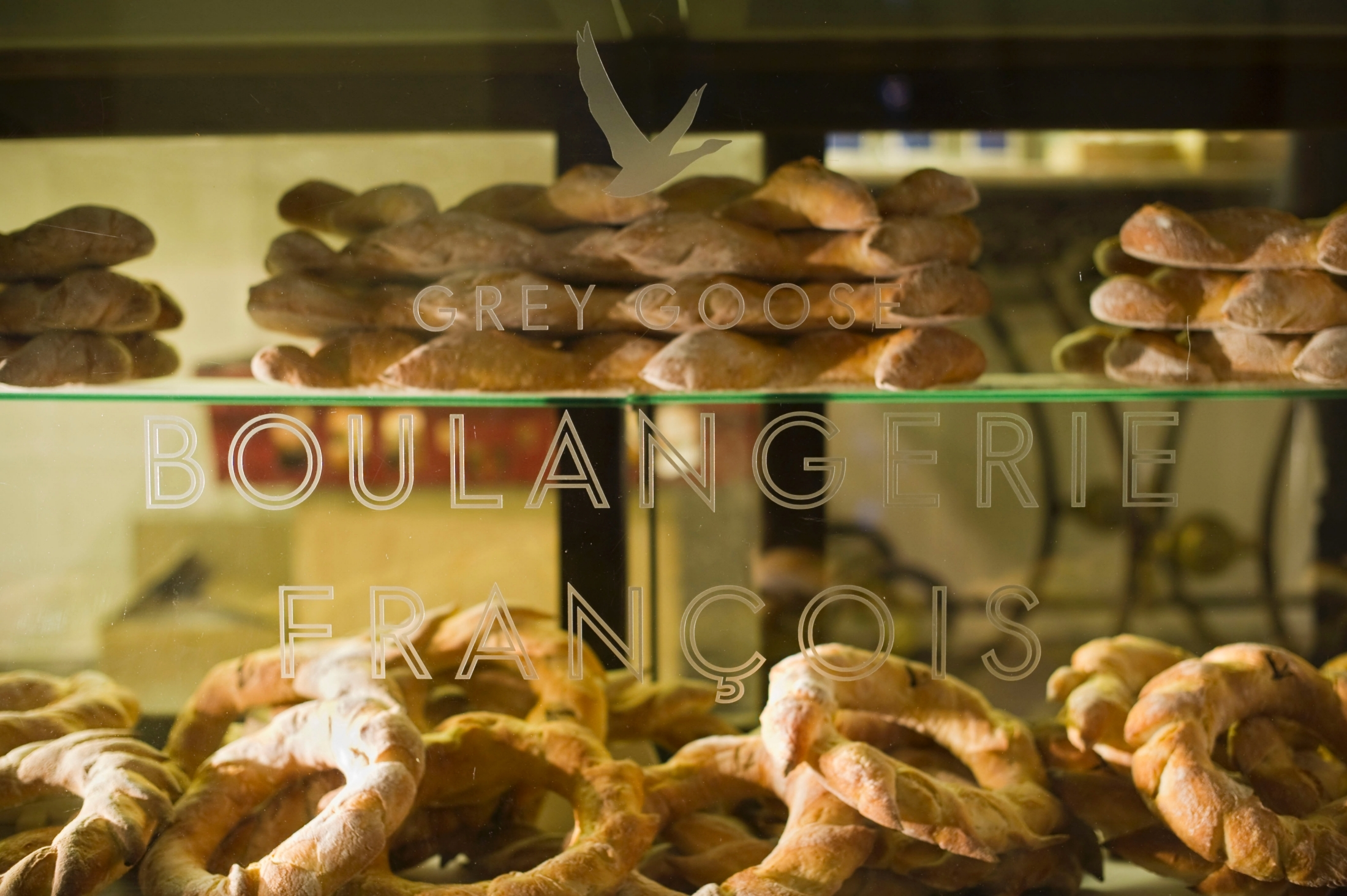 boulangerie Francois bread in window