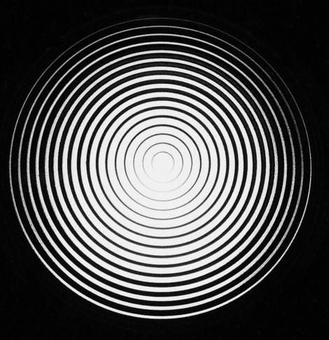 hypnotist spinning disc