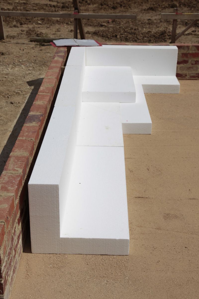L shaped perimeter ESP structural polystyrene