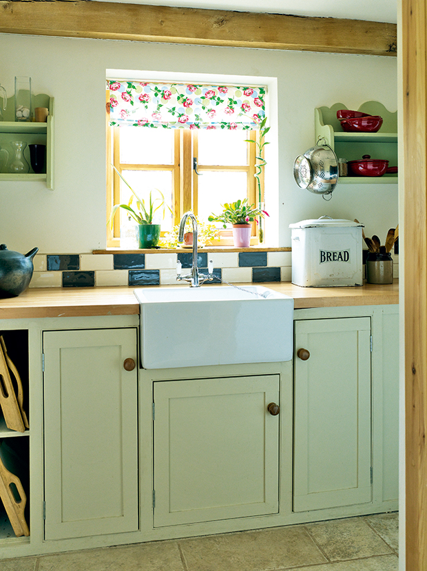 Country Style Utility With Butler Sink In An Oak Frame Home