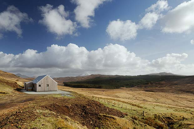 White Tail Croft on the Isle of Skye is a modern holiday let with views