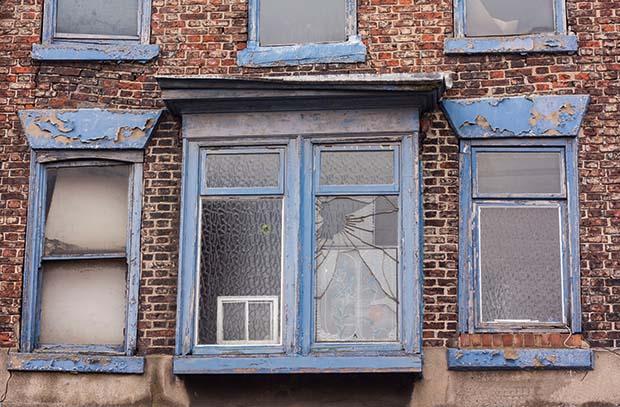 cracking brick over lintels