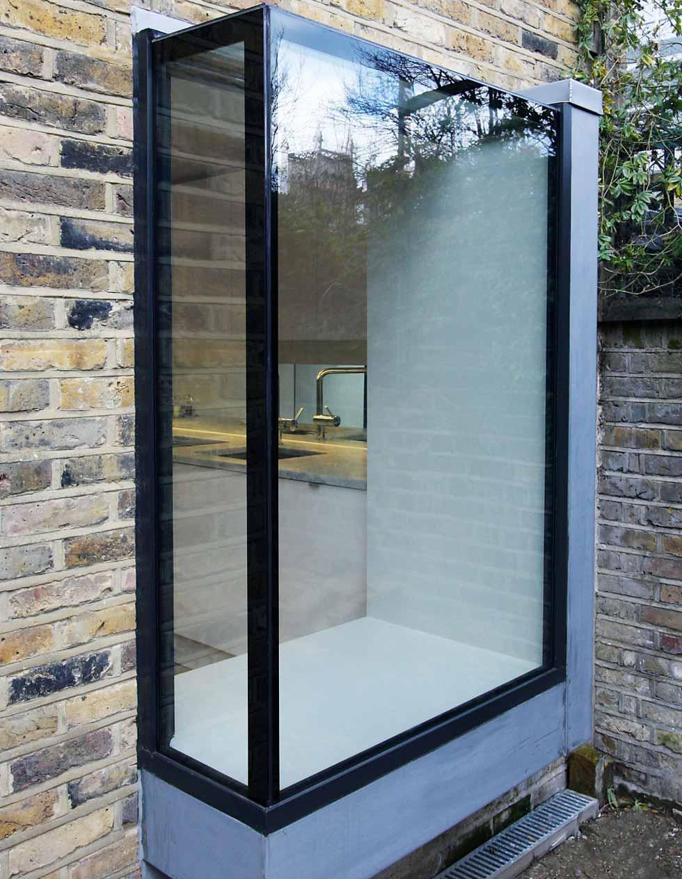 Box window design from IQ glass