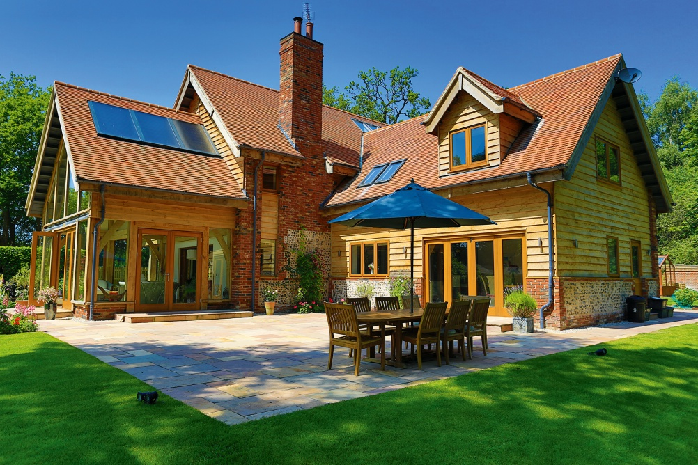 Oak frame house by The Complete Oak Home