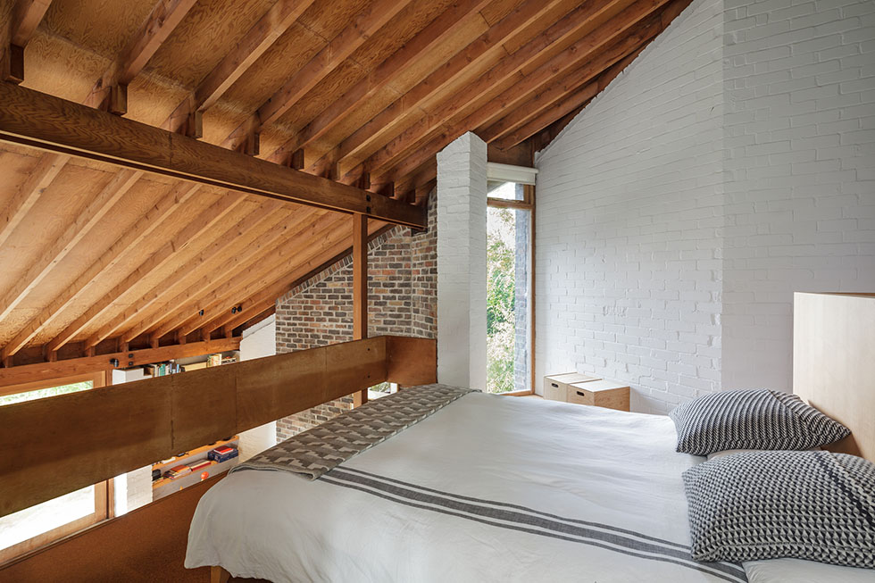 Coppin-salisbury-remodel-bedroom-pitched-roof