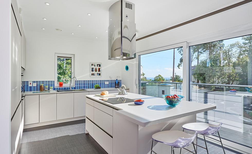 contemporary-kitchen-white-with-view-potton