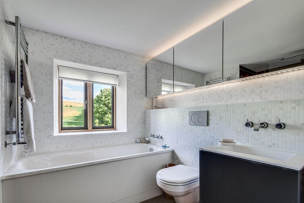 thompson-cottage-bathroom