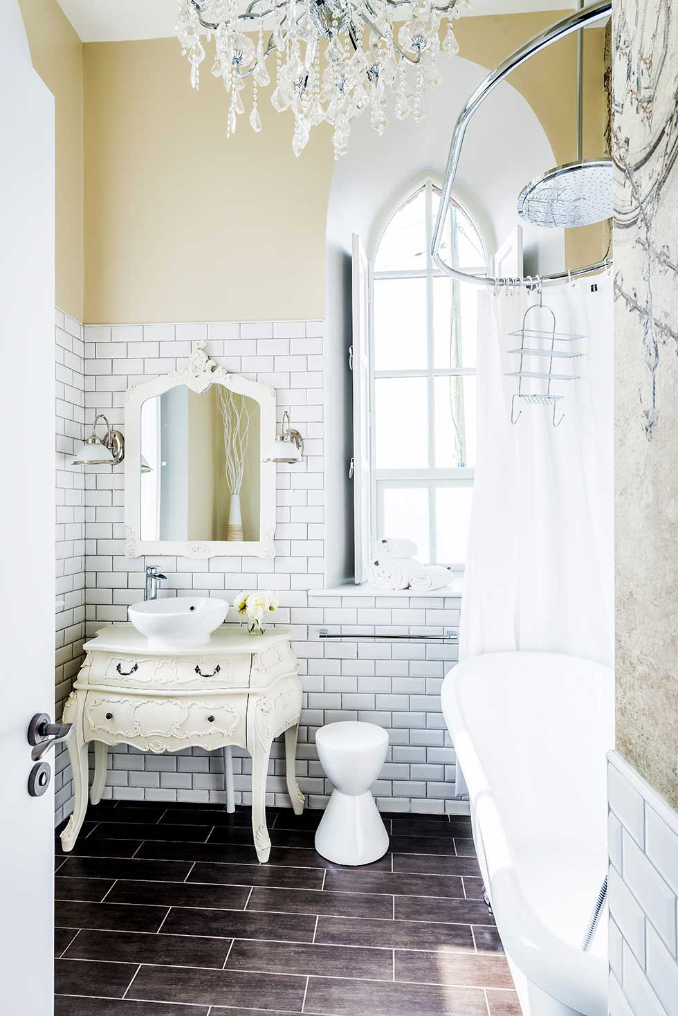camenzind-converted-chapel-bathroom