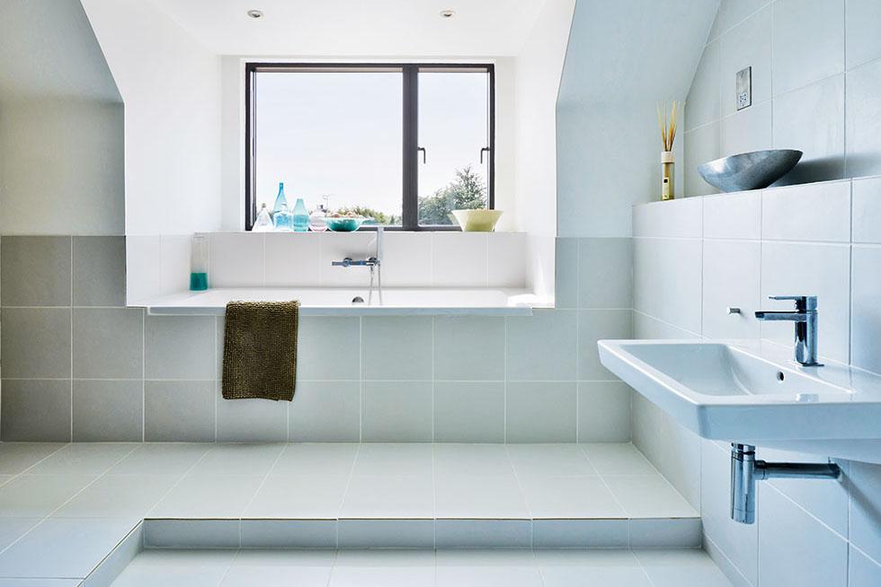 kelly-house-bathroom-light