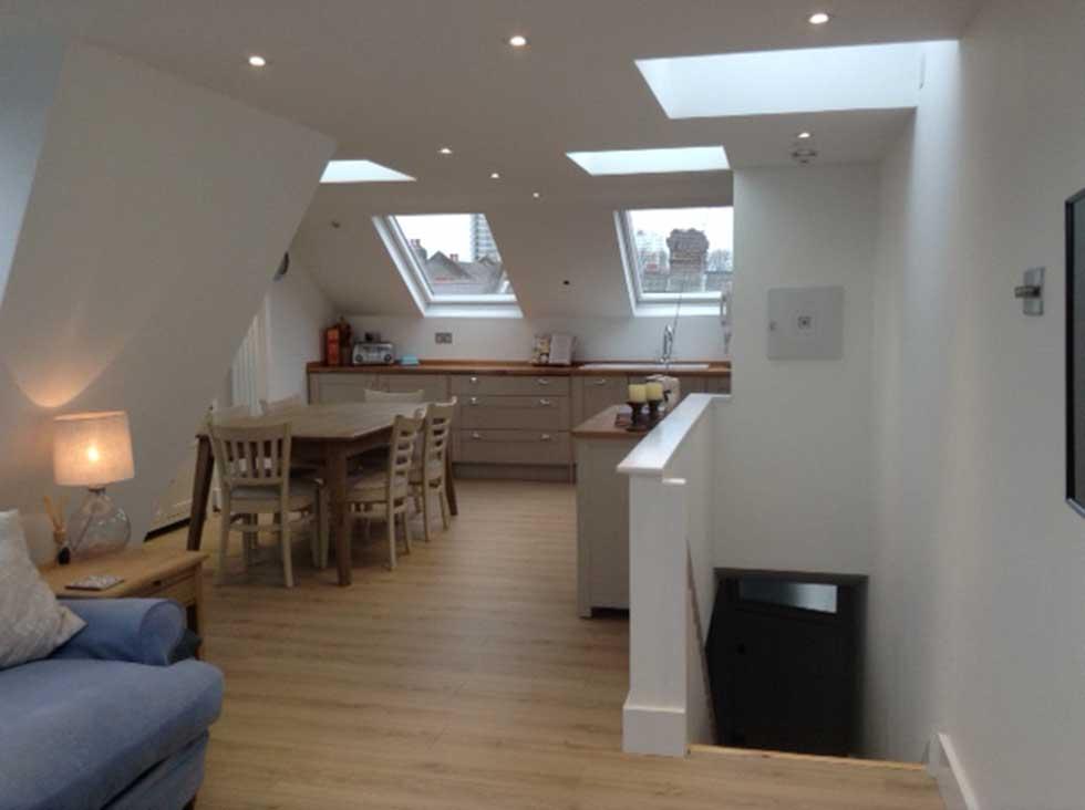 Mansard loft conversion 39 reverse living 39 flat tour for Attic kitchen ideas