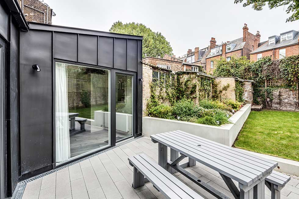 London Flat With A Spacious Zinc Clad Extension