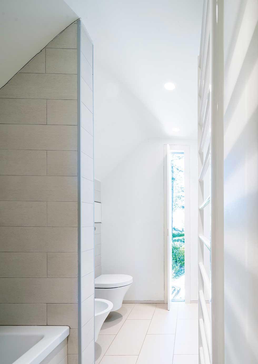tompkins-brick-house-bathroom