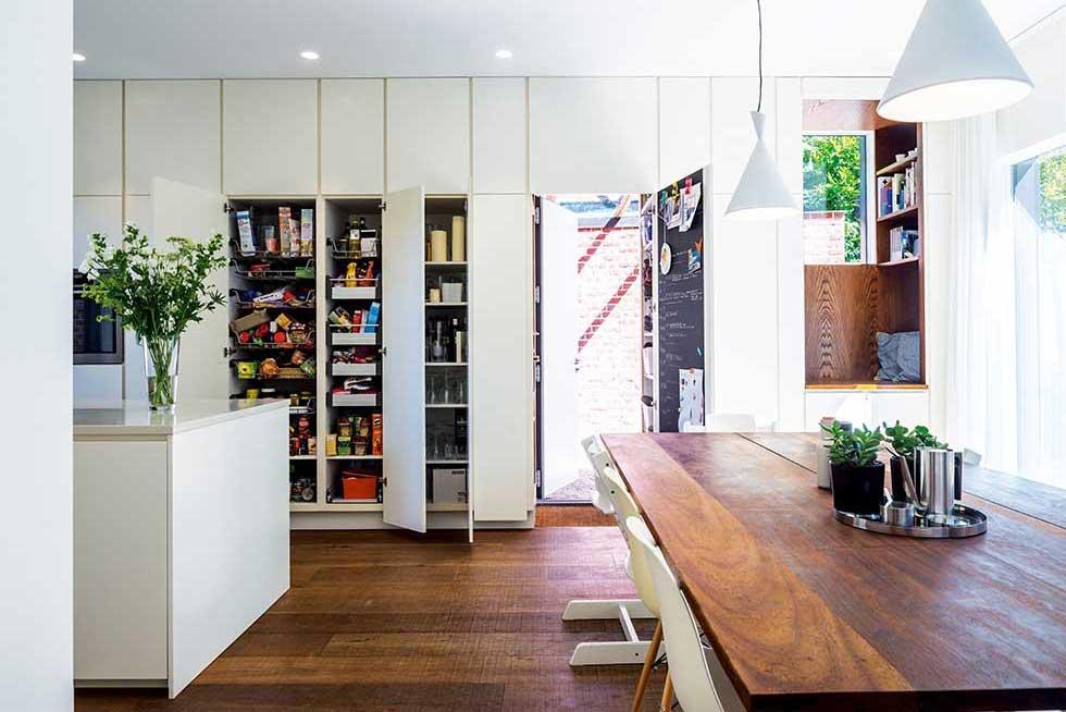 tompkins-brick-house-kitchen-diner