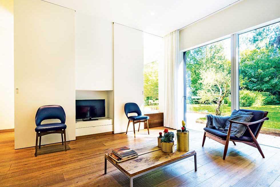tomkins house living room