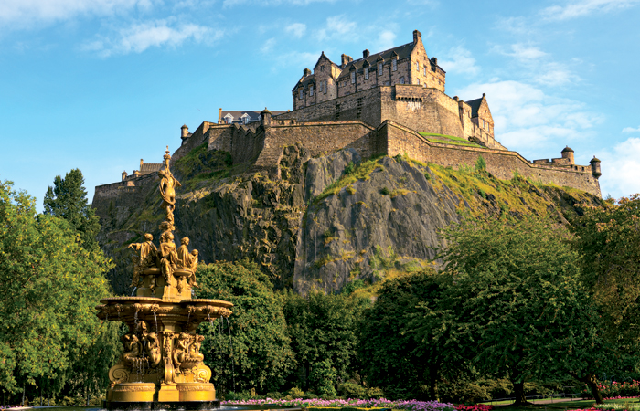 Edinburgh-Castle-Scotland-700x450.jpg