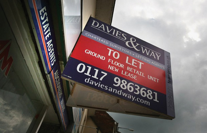 Estate-Agent-To-Let-Buy-Mortgage-700.jpg