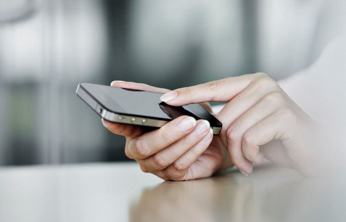 Smartphone-Phone-Mobile-Technology-700.jpg