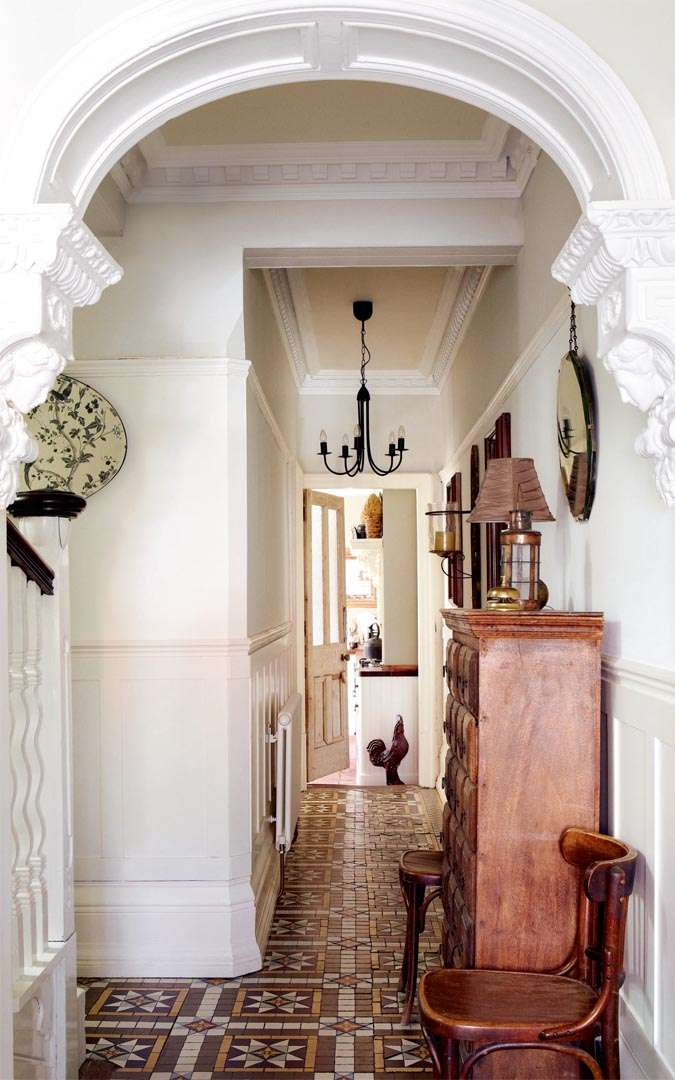 Restoring a 1900s house period living for Features of old houses