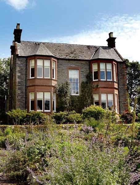 Sympathetic Victorian Restoration Period Living