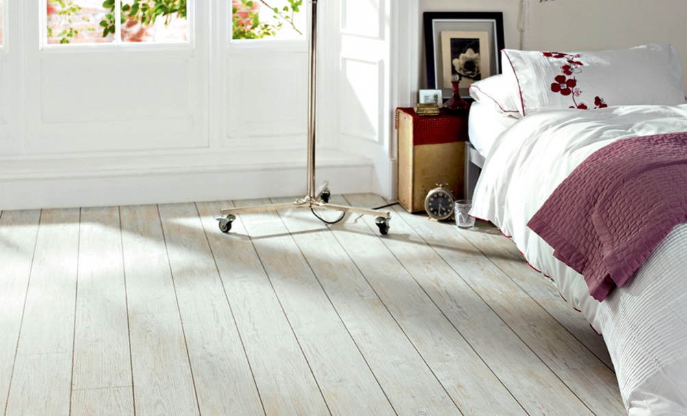Stylish vinyl and laminate flooring period living for Lino laminate flooring