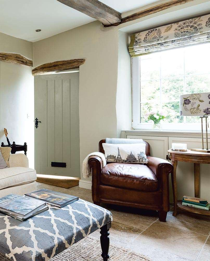 Restoring a yorkshire cottage period living for Modern cottage living room ideas