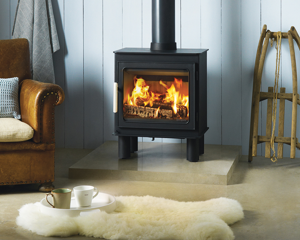 Nordpeis Bergan cast-iron and steel stove