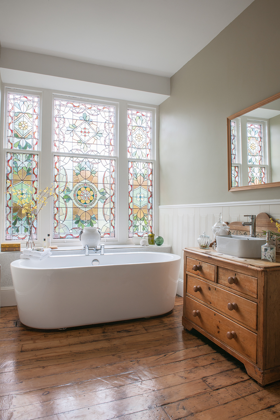 Our Favorite Stained Glass Windows for Modern Homes - Modernize
