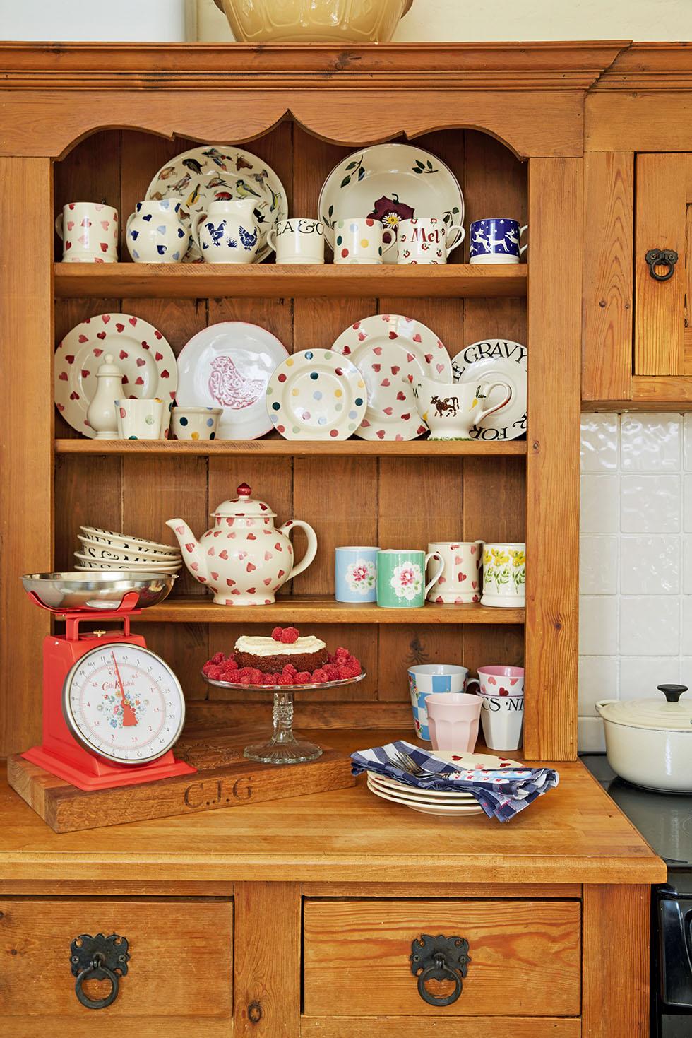 prescott-davies-kitchen-dresser
