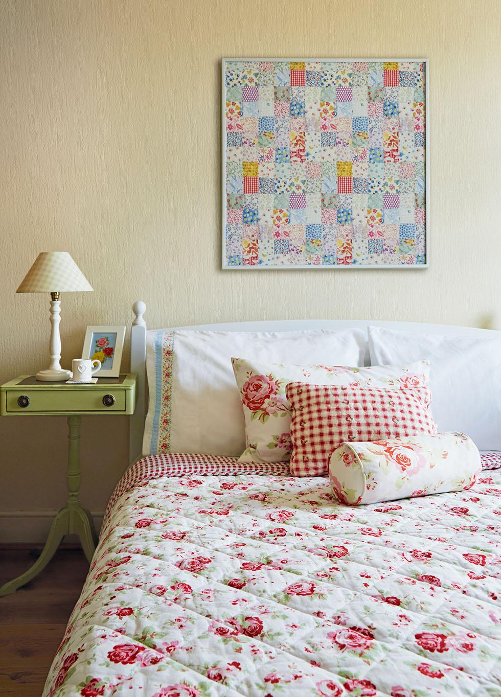 prescott-davies-pink-bedroom