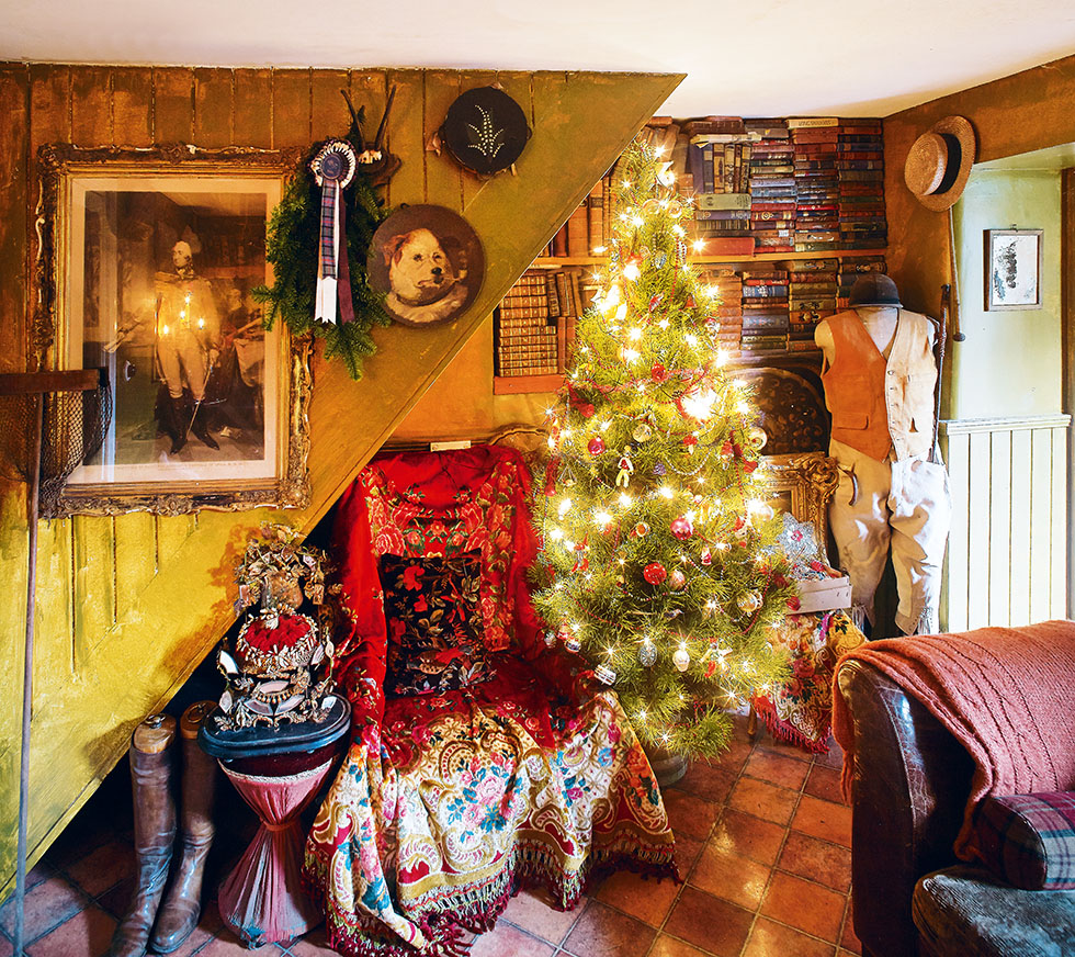 bootstra-cottage-christmas-tree