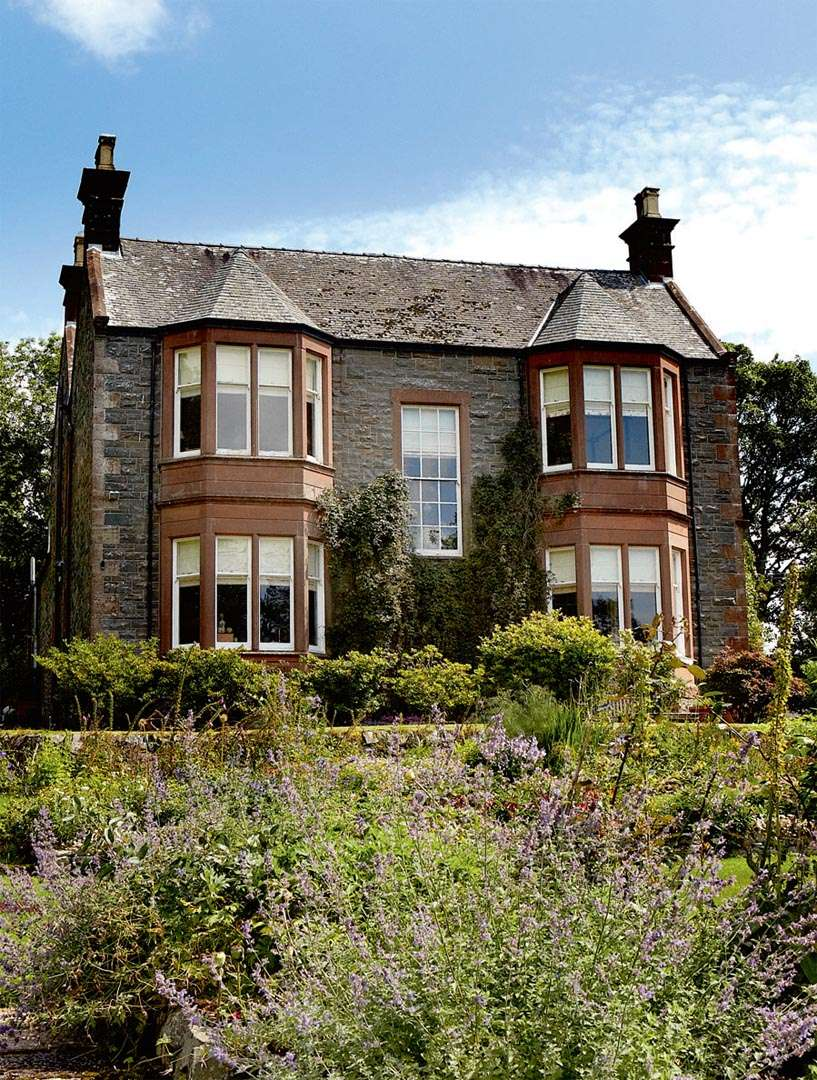bristow-smith-victorian-house-exterior